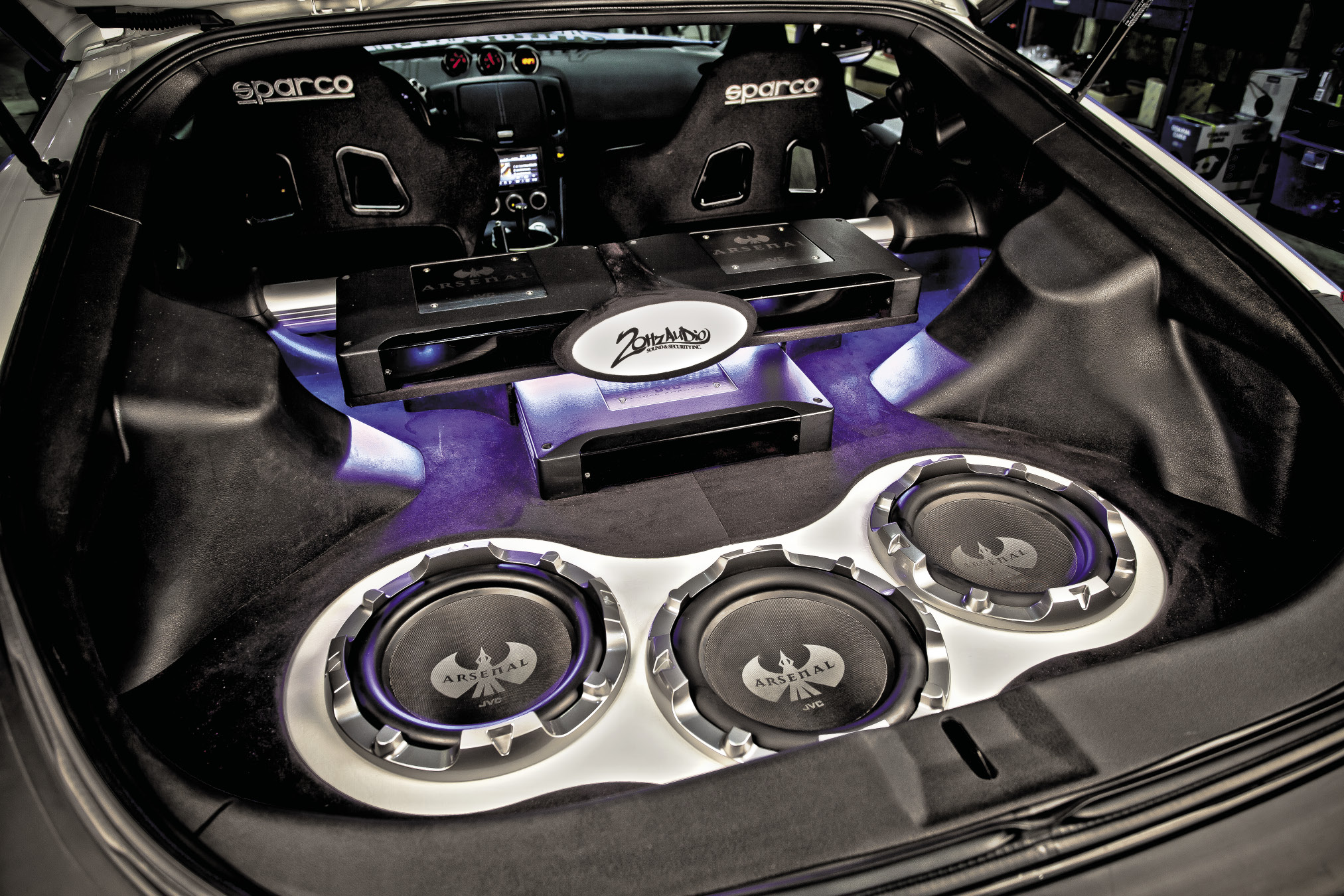 PASMAG Feature: Full Arsenal Nissan 370Z | Seibon Carbon