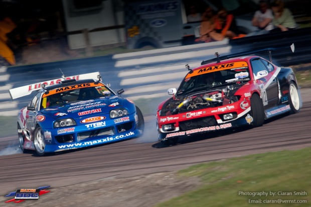 Mark Luney in the Toyota Supra against David Waterworth in his Viper powered S15.