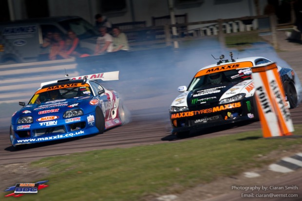 Mark Luney in the Toyota Supra against Paul Smith in the Nissan S15.