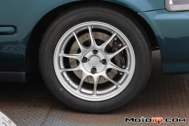 Moto IQ's Project Civic in Enkei PF01's rims wrapped in Nitto NT01's. Photo credit: MotoIQ.com.